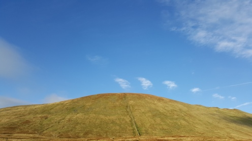 Rare blue skies in the lakes near Griesdale Tarn.